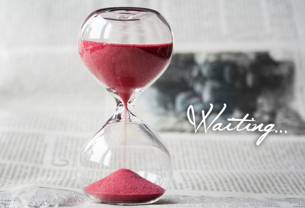 waiting-hourglass